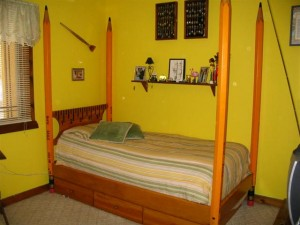 Pencil Post bed $650.00 W/drawers $850.00