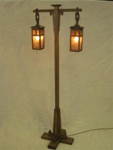 ADK Mission Style floorlamp w/silver mica